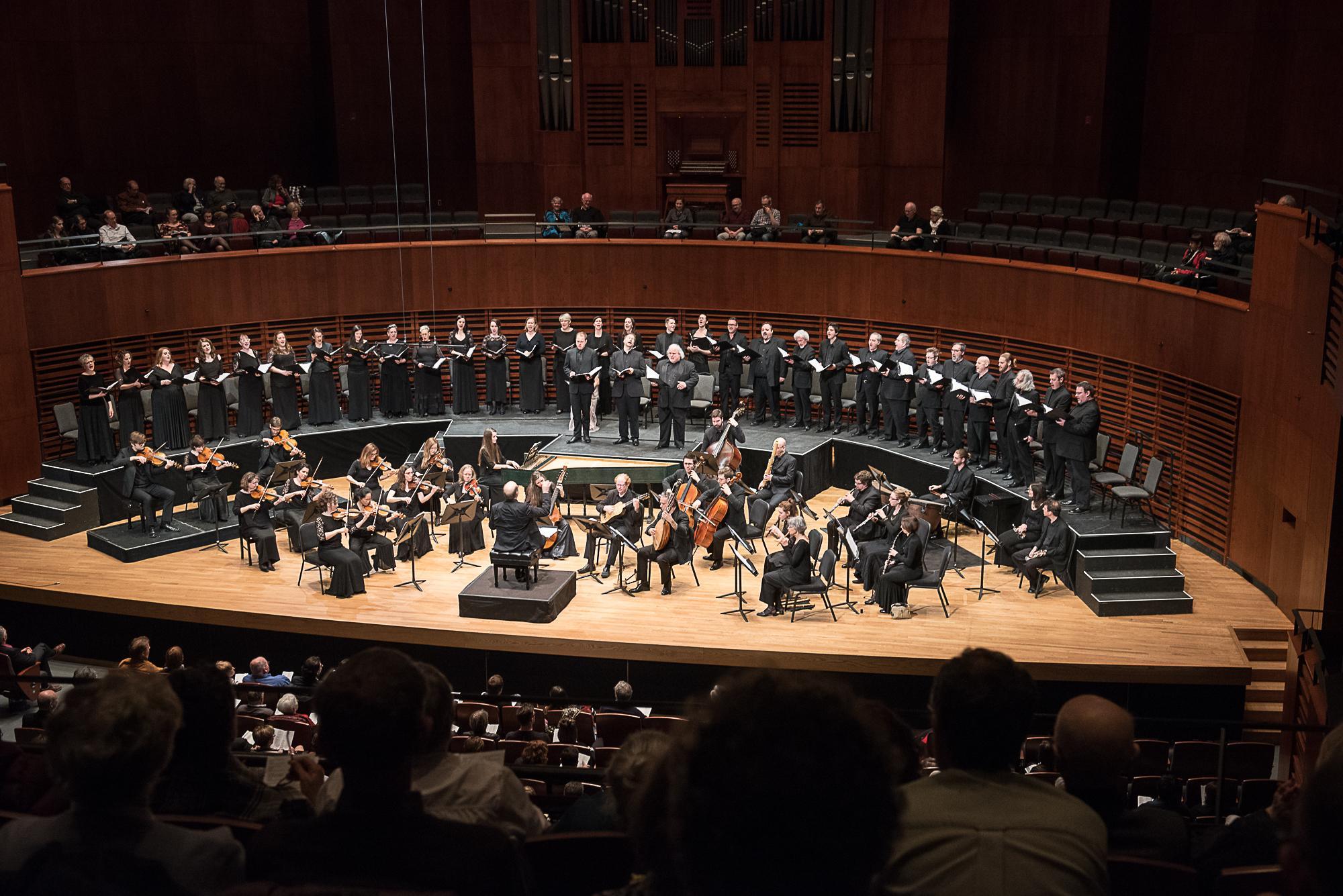 Orchestre-de-chambre-Les-Violons-du Roy-et-choeur-La-Chapelle-de-Quebec-a-la-Maison-symphonique-de-Montreal